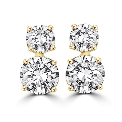 5ee32b051 This 'two-stone' earrings of round brilliant Diamond Essence stones ...